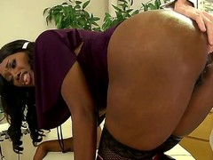 James Deen is having Nyomi Banxx as his patient wich manages to please him